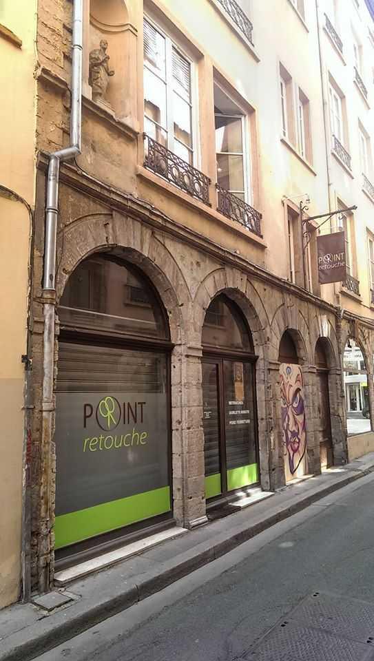 Retouches, ourlets et couture à Lyon1 69001 2 rue Mulet - POINT Retouche d267ef1b7260